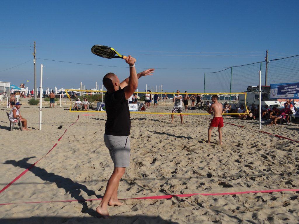 Състезания по плажен тенис